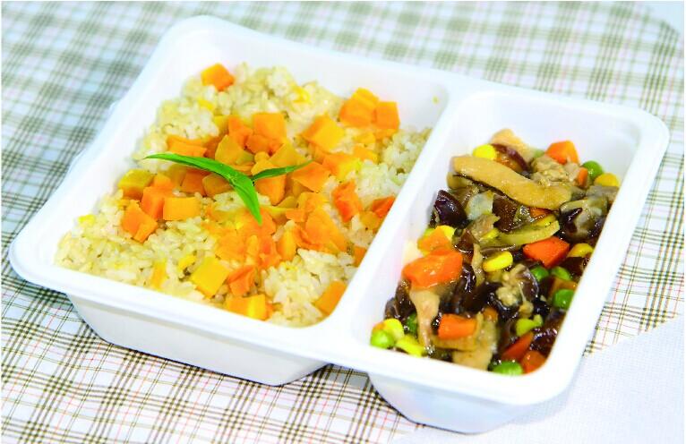杂菜粒炒鸡肉南瓜饭